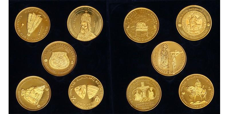 A Magyar államiság 1000 éves évfordulójára aranyozott érmek 2000 PP