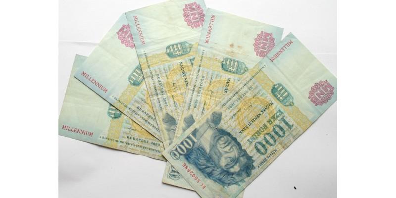 5db millenniumi 1000 forint